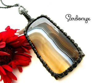 Sardonyx  Necklace / Sardonyx jewelry / Classic jewelry / Black and White / Macrame / Healing Stones and crystals / Gift with Meaning /