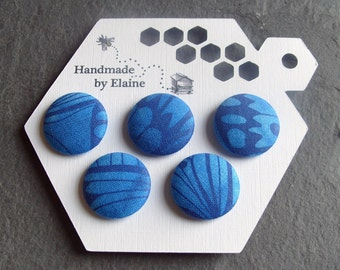 Fabric Covered Buttons - 5 x 22mm Buttons, Handmade Button, Cobalt Cerulean Lapis Azure Blue Delicate Papillon Butterfly Wing  Buttons, 2530