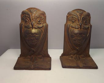Vintage Cast Iron Folded Wing Owl Bookends Hubley?