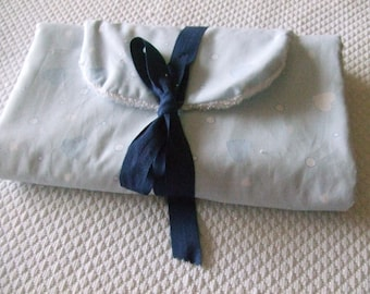 Severiane, changing pad nomadic, blue with tiny hearts
