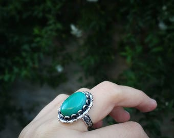 Green ring silver floral band engraved Green stone ring, green agate ring, green renaissance ring, green gemstone ring, green statement ring