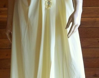 Vintage Lingerie 1960s Yellow Ruffled Nightgown Small