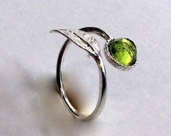 Thin ring, leaf ring, sterling silver ring, peridot ring, stone ring, stone ring, stacking ring, delicate ring - Gone with the wind R2062-2