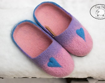 Housewarming Gift for Women birthday gift for her Felted Wool Slippers for women mindfulness gift felted slippers Pantoufles Leather soles