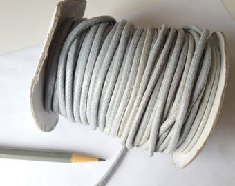 Spool of gray waxed cotton cord 3mm