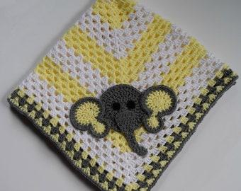 Baby Blanket with Elephant Applique - Elephant Blanket - Baby Blanket - Gender Neutral Baby Blanket - Crochet Elephant Baby Blanket