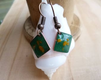 Small square earrings enamel copper - colored green, yellow/ochre