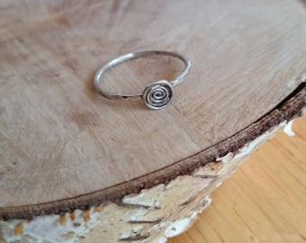 Hammered sterling silver spiral ring. Sterling silver ring. Simple hammered sterling silver ring. Spiral ring. Hammered silver spiral ring.