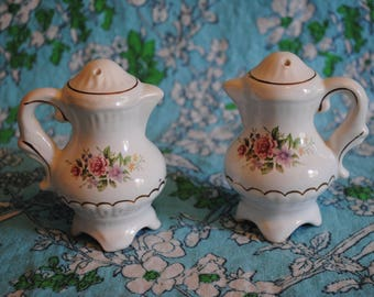 Pitcher Tea pot salt and pepper shaker set