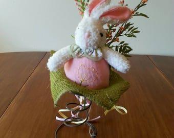 Easter Bunny floral arrangement - Bed Spring - Pink