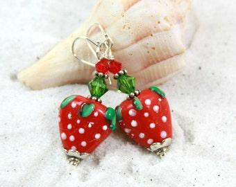 STRAWBERRY - Beaded Earrings, Strawberry Earrings, Beaded Strawberry Earrings