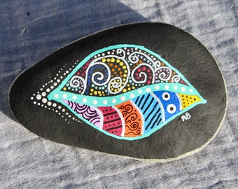 Painted leaf rock