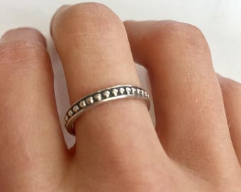 SALE! Vintage Sterling Silver Dotted Band Ring Size 6.75