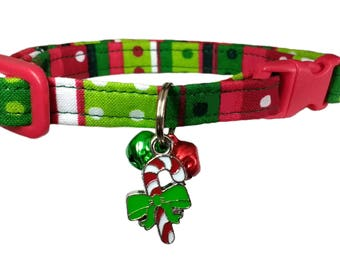 Christmas Red And Green Striped Breakaway Cat Collar With Candy Cane Charm And Bell
