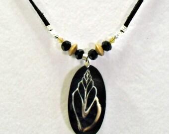 Seashell Shell Slice Skeleten Black Resin Necklace