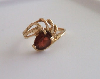 Vintage 10 kt Yellow Gold Garnet Ring Size 7 January Birthstone Oval Garnet
