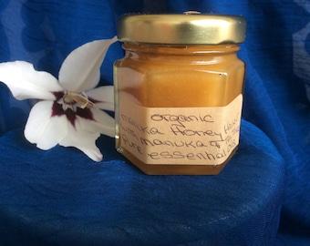 Organic Manuka Honey Healer with Manuka and Tea Tree Pure Essential Oils