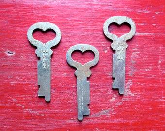 Heart keys 3 Vintage heart keys Skeleton key Vintage keys Little heart keys Love is the Key to My Heart Bride Groom Gifts Old heart keys #36
