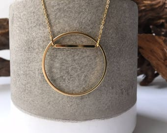 long circle necklace // gold geometric necklace // layering necklace // delicate jewelry // minimalist // simple geometric // gold jewelry