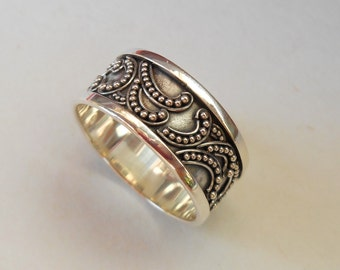 Balinese Sterling Silver granulation technique ring / silver 925 / Bali handmade jewelry / request the size / (#111R)