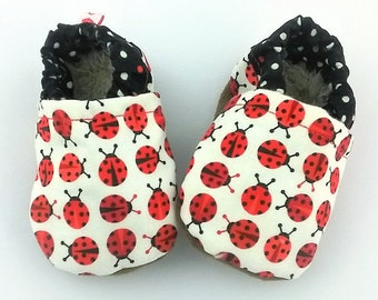 Newborn shoes size 3-6 months Soft sole booties ladybugs baby girl slippers Vegan shoes Sherpa fleece in sole Newborn mocassins