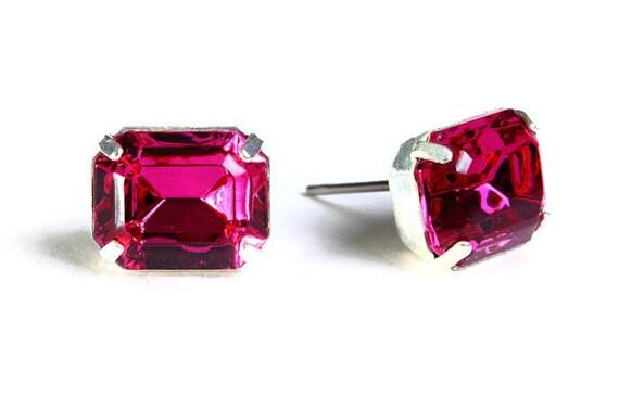 Estate style pink fuchsia rhinestone crystal stud earrings (603)