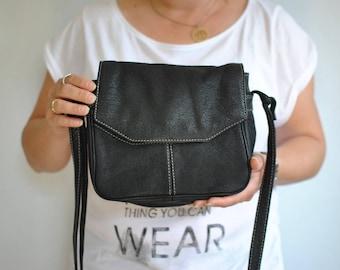 Vintage MESSENGER LEATHER BAG...............(176)