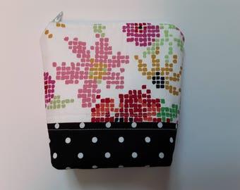 Essential Oil Bag / Essential Oil Travel Bag / Essential Oil Pouch / Essential Oil Clutch / Pixilated Floral / Holds 5 Oil Bottles