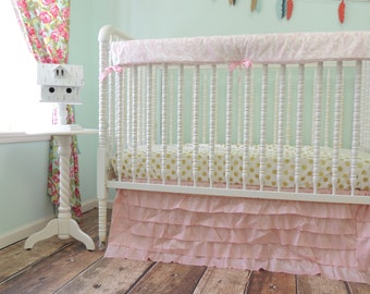 Boutique Bumperless Cribset in Pink and Gold