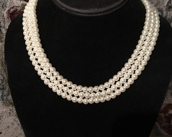 "16"" Vintage Triple strand glass pearl necklace"
