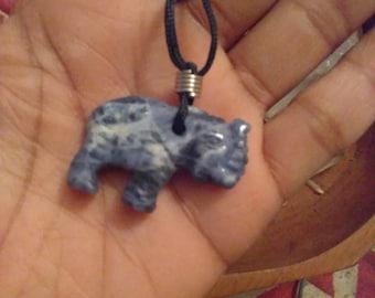 Sodalite Gemstone Elephant Necklack (20mm)