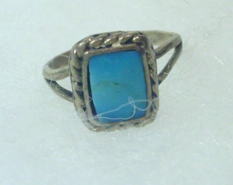 Vintage Ring - Turquoise Silver - Hand Crafted