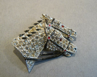 Vtg Art Deco Horses Racing Rhinestone & Enamel Rhodium Plated Brooch