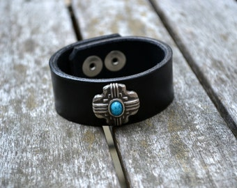 Leather bracelet with metal stone concho - Handmade