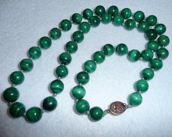 Necklace. Agate. Vintage.
