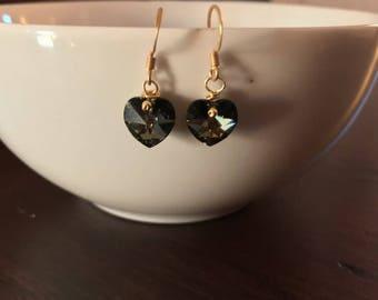 Elegant small crystal earrings