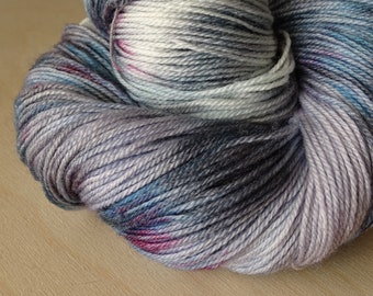 Merino & Nylon hand dyed wool / Fingering / stockings / Super fine 1 / 2 x 115 gr / 390 m / Hand Dyed Yarn