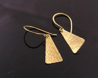Hammered Earrings,  Gold Earrings, Triangle Earrings, Brass Earrings, Artisan Jewelry, Handmade Earrings, Gold Jewelry, E2433