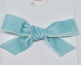 Light Green Velvet Bow / Babies / Kids