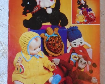 Vintage 1970s  Patons booklet of knitted toy patterns - lots of retro favourites.
