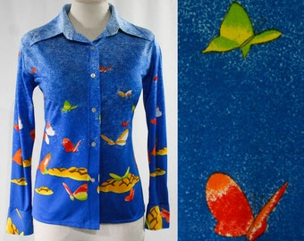 Size 10 Butterflies Print 1970s Shirt - Medium - Long Sleeved 70s Casual Top - Butterfly - Vivid Blue Novelty Print  - Deadstock - 44676