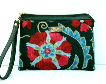 50% off Jaclyn Smith Floral Wristlet with Matching coin purse fits iPhone 10, X, 8, 7, 6 Plus Samsung Galaxy S8 plus Card Holders