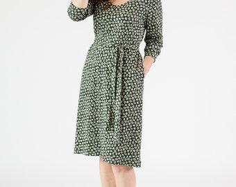 Damen Gürtel Tunika Kleid dunkel grün Druck Kurzarm-Knie-Länge in Bio Pima-Baumwolle stricken Interlock ethische und nachhaltige