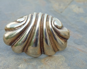 Spratling Silver ~ Clam Shell / Seashell Pin / Brooch c. 1940's