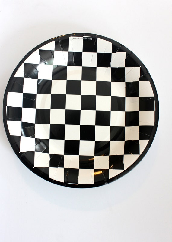 & 16 BLACK And WHITE CHECKERED Paper Plates Cars Racecar
