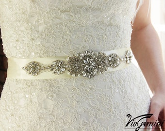 Wedding Sash Belt, Crystal Wedding Belt, Rhinestone Wedding Sash, Vintage Inspired Wedding Belt, Wedding Belt Pearl, Pearl Bridal Sash Belt