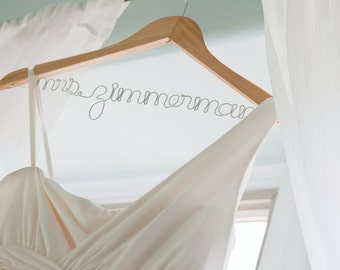 Personalized Wedding Dress Hanger with Wire for Brides, Bridal Party Gift