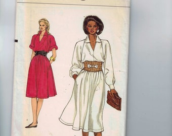 1980s Vintage Sewing Pattern Vogue Easy 8568 Misses Easy Loose Fitting Boxy Dress Size 8 10 12 Bust 31 1/2 32 1/2 34 1980s UNCUT