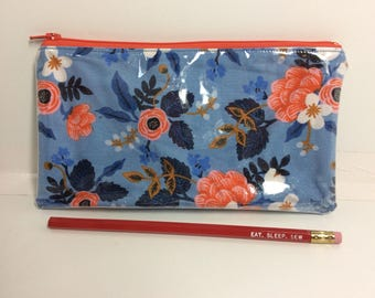 Flowers/ Les Fleurs- Glitta pouch -pencil case