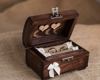 Personalized wedding ring box. Wooden ring box. Rustic ring holder. Ring bearer. Delicate & romantic box.